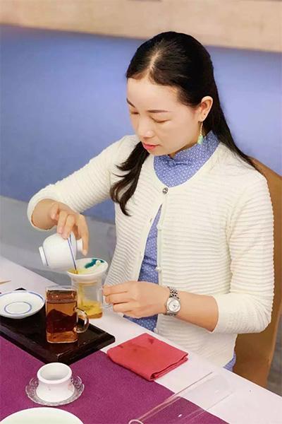 心馨茶艺刘辰星