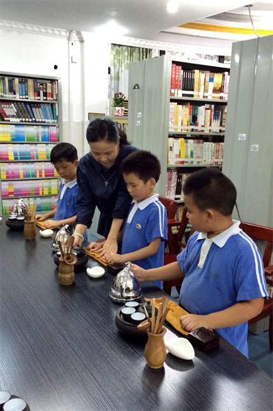 心馨茶艺景龙小学少儿茶艺培训